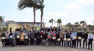 الجامعة المصرية الروسية تكرم 45 من الطلاب المتميزين فى الأنشطة.. تعرف عليهم بالأسماء والصور