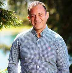 حسام نبيل: الاهتمام بالصحة النفسية واتخاذ التدابير الإيجابية في مثل هذه الفترات العصيبة أمرًا غاية في الأهمية