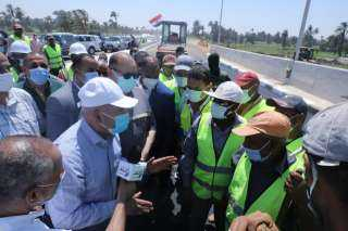 وزير النقل يتابع معدلات تنفيذ المرحلة الأولى من محور ديروط الحر على النيل بمحافظة أسيوط