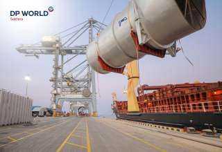 """""""موانئ دبي العالمية السخنة"""" تُصدر أكبر شحنة مشروعات على مدار تاريخها"""