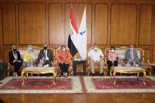 رئيس جامعة كفرالشيخ يستقبل اللجنة العلمية الدائمة للآثار المصرية لترقية الأساتذة والأساتذة المساعدين بالمجلس الأعلى للجامعات